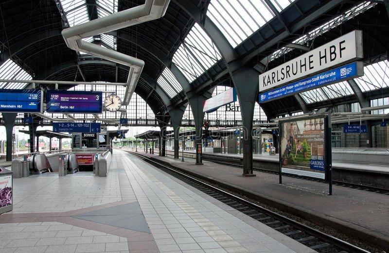 ایستگاه قطار کارلسروهه